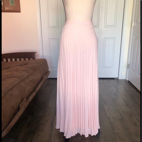 Banana Republic Dresses & Skirts - BANANA REPUBLIC light pink pleated maxi skirt